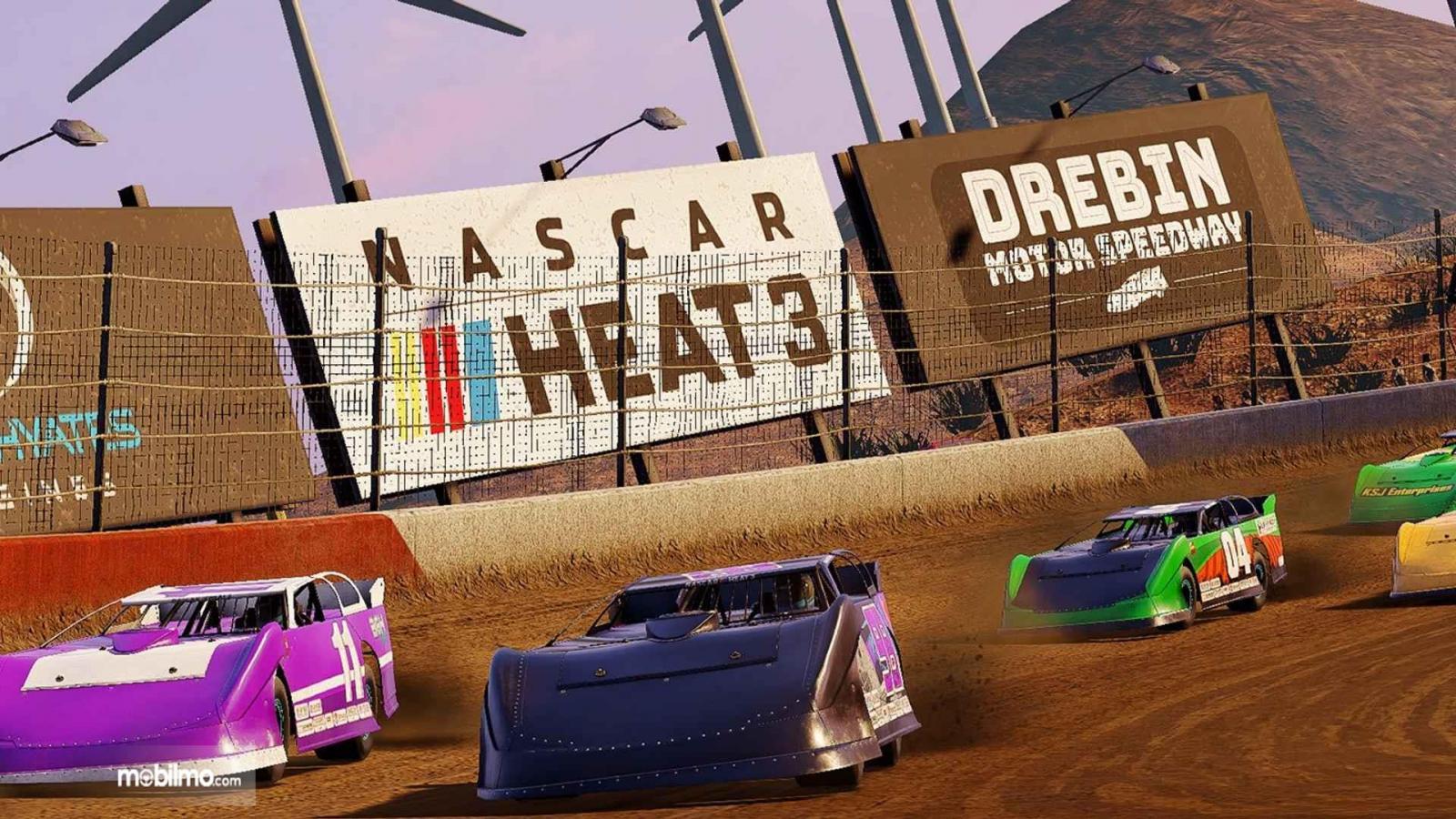 Gambar yang menunjukan balapan trek lumpur NASCAR Heat 3