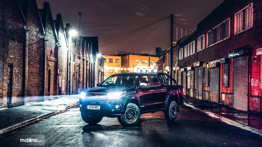 Gambar Toyota Hilux Invincible 50 2018