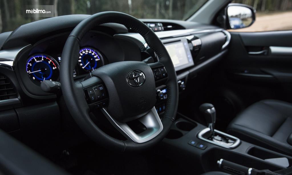 Gambar kemudi Toyota Hilux Invincible 50 2018