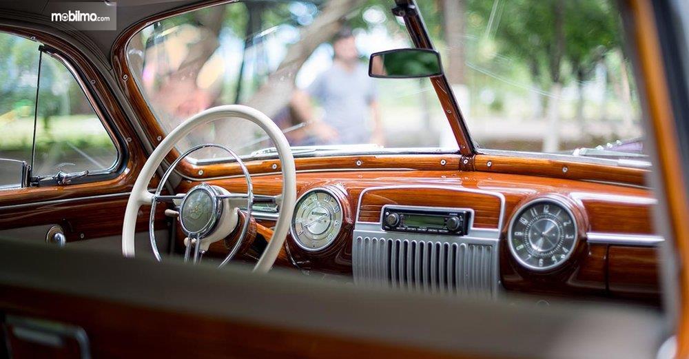 Gambar interior mobil klasik