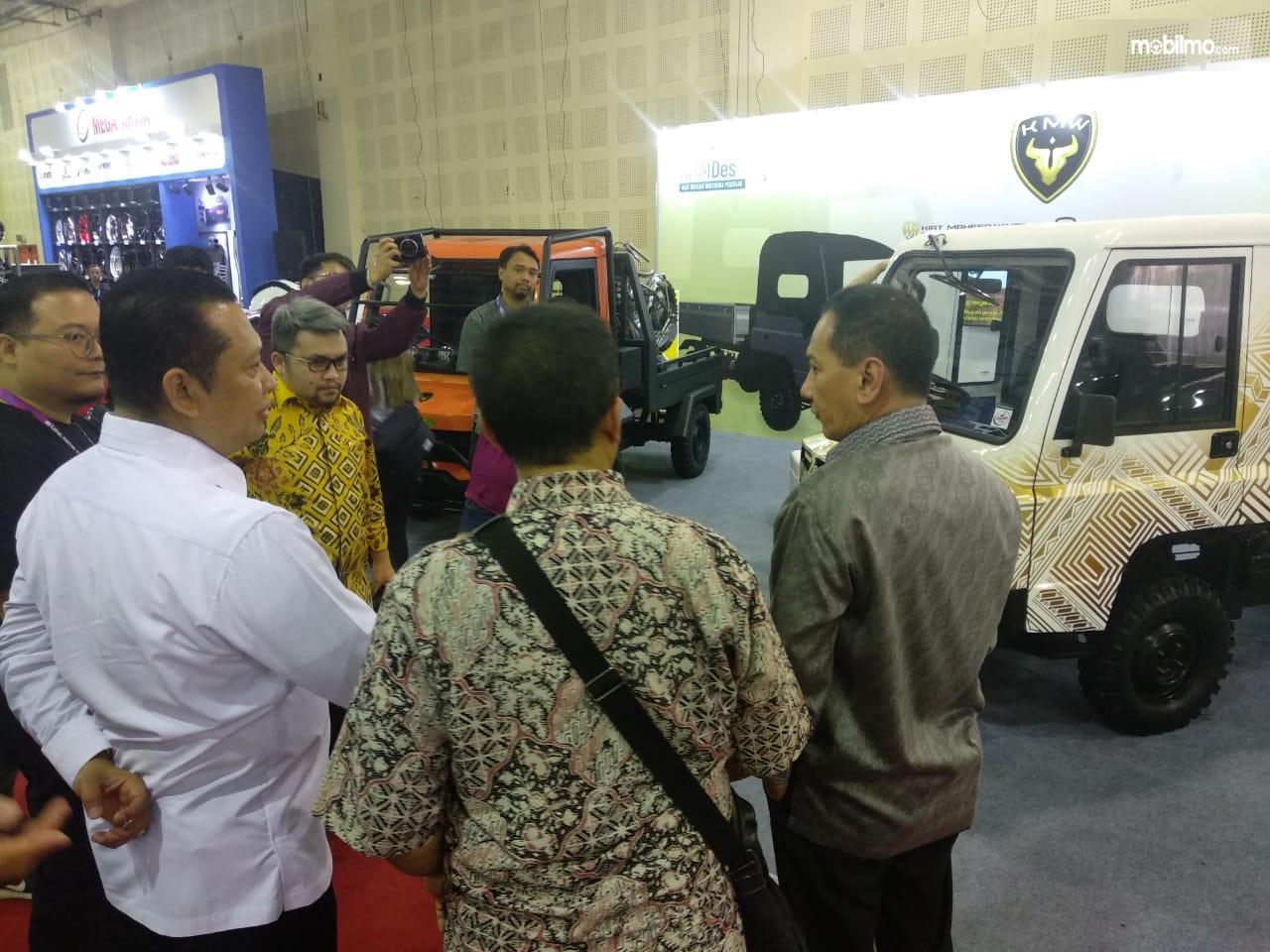 Gambar ketua DPR Bambang Soetanto