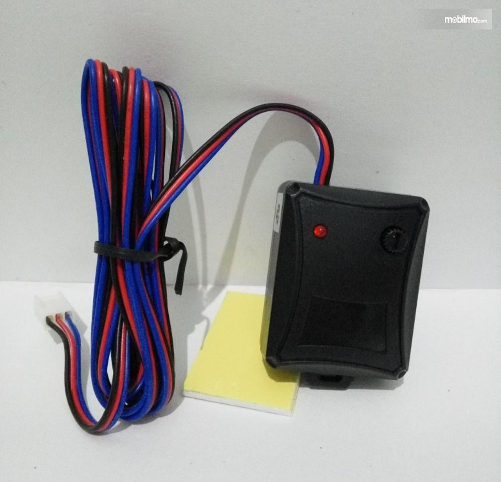 Foto chip sensor alat pengaman mobil