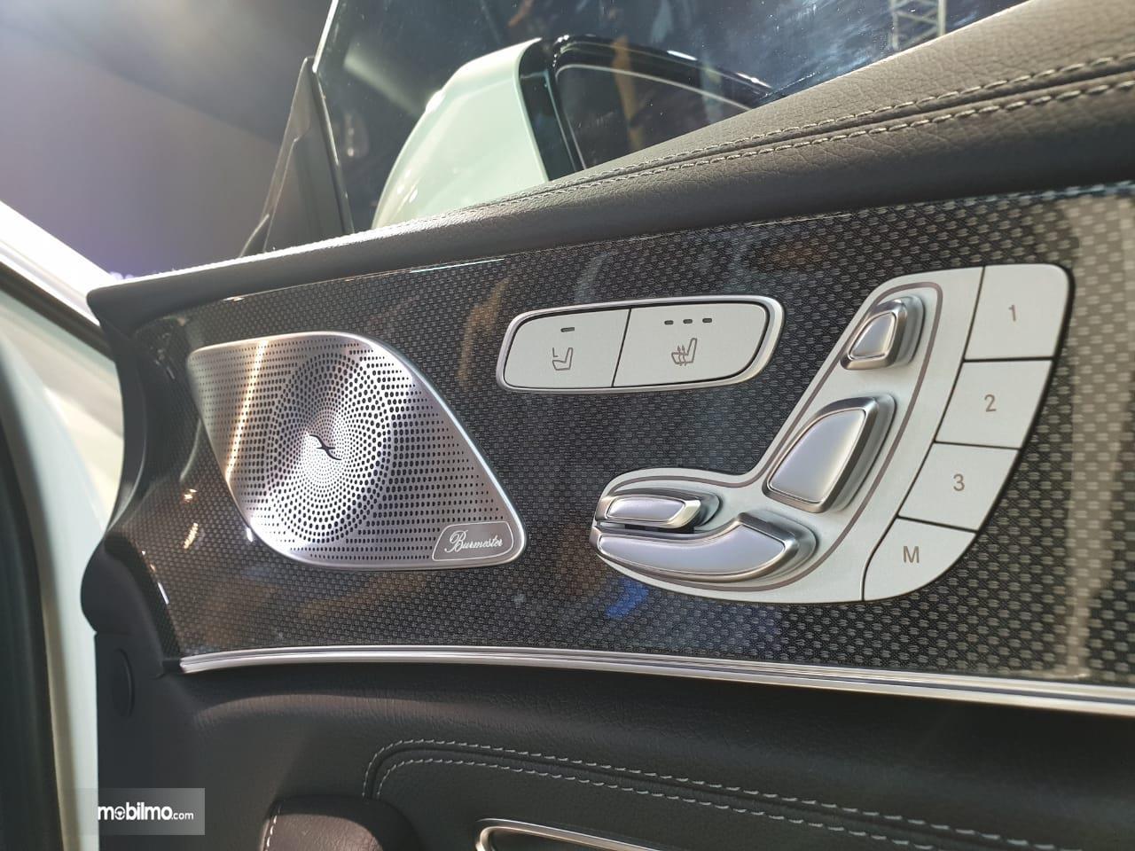 Gambar fitur kursi Mercedes-Benz CLS 350 AMG Line 2018