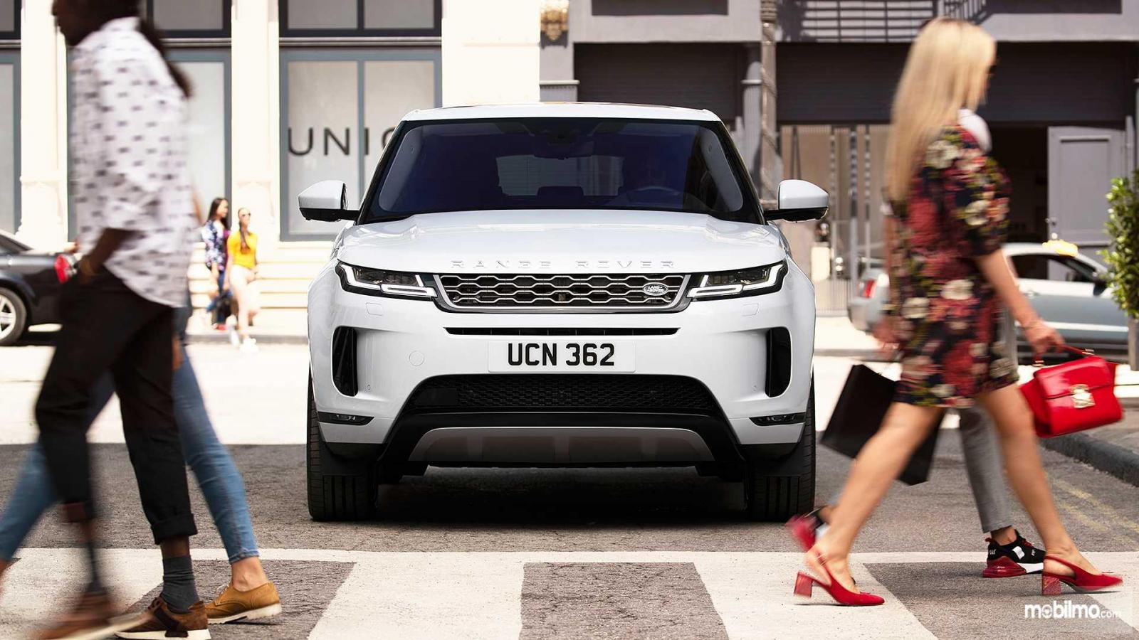 Gambar tampilan depan Land Rover Range Rover 2019