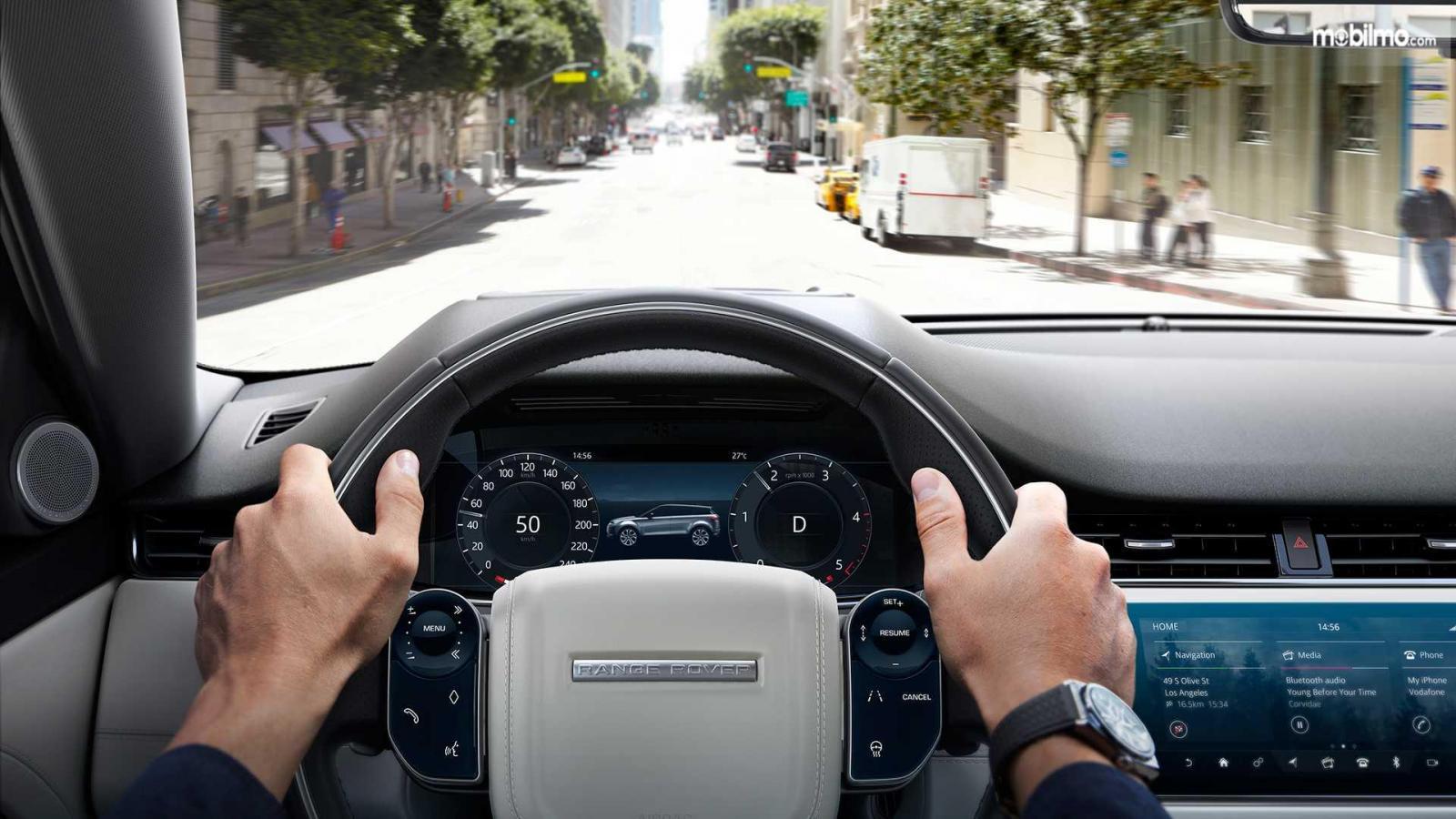 Gambar kemudi Land Rover Range Rover Evoque 2019