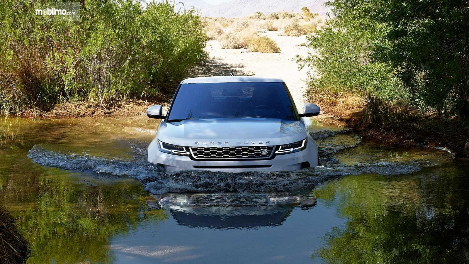 Gambar pengendaraan Land Rover Range Rover Evoque 2019