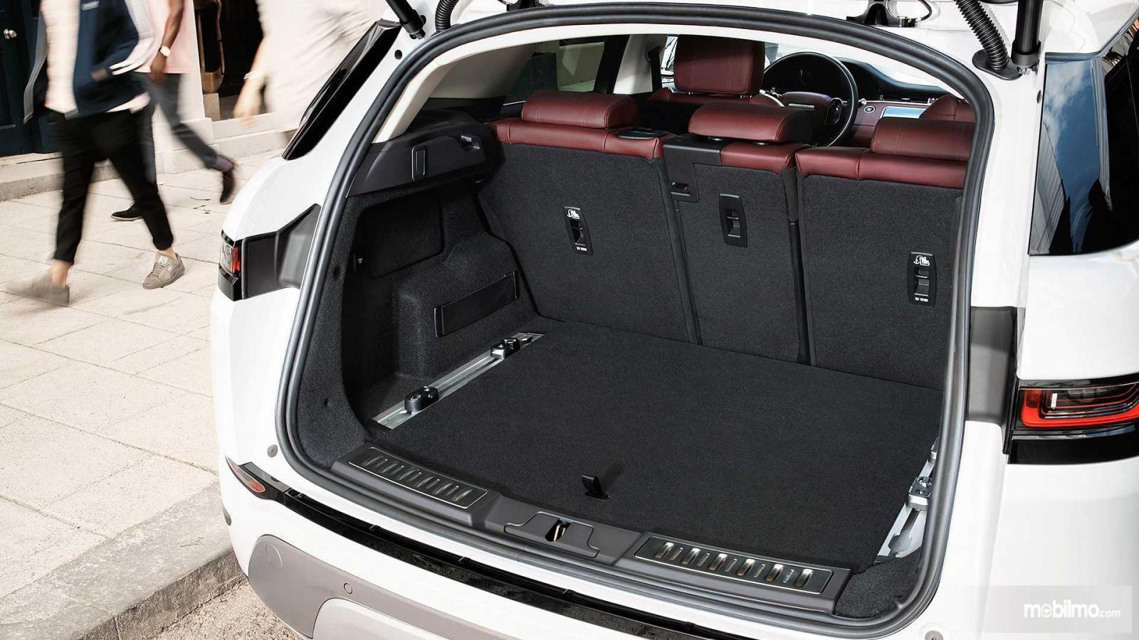 Gambar bagasi Land Rover Range Rover Evoque 2019
