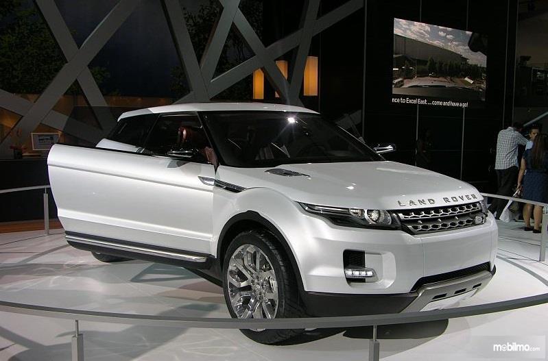 Gambar Land Rover Range Rover generasi pertama