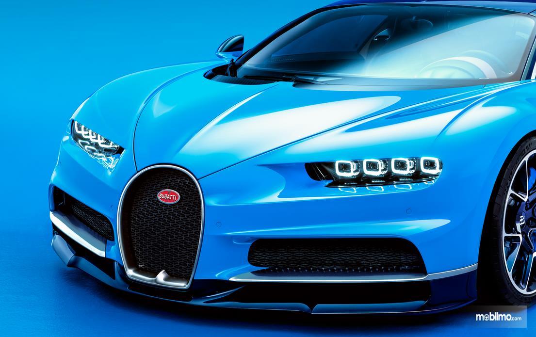 Foto Bugatti Chiron tampak dari depan