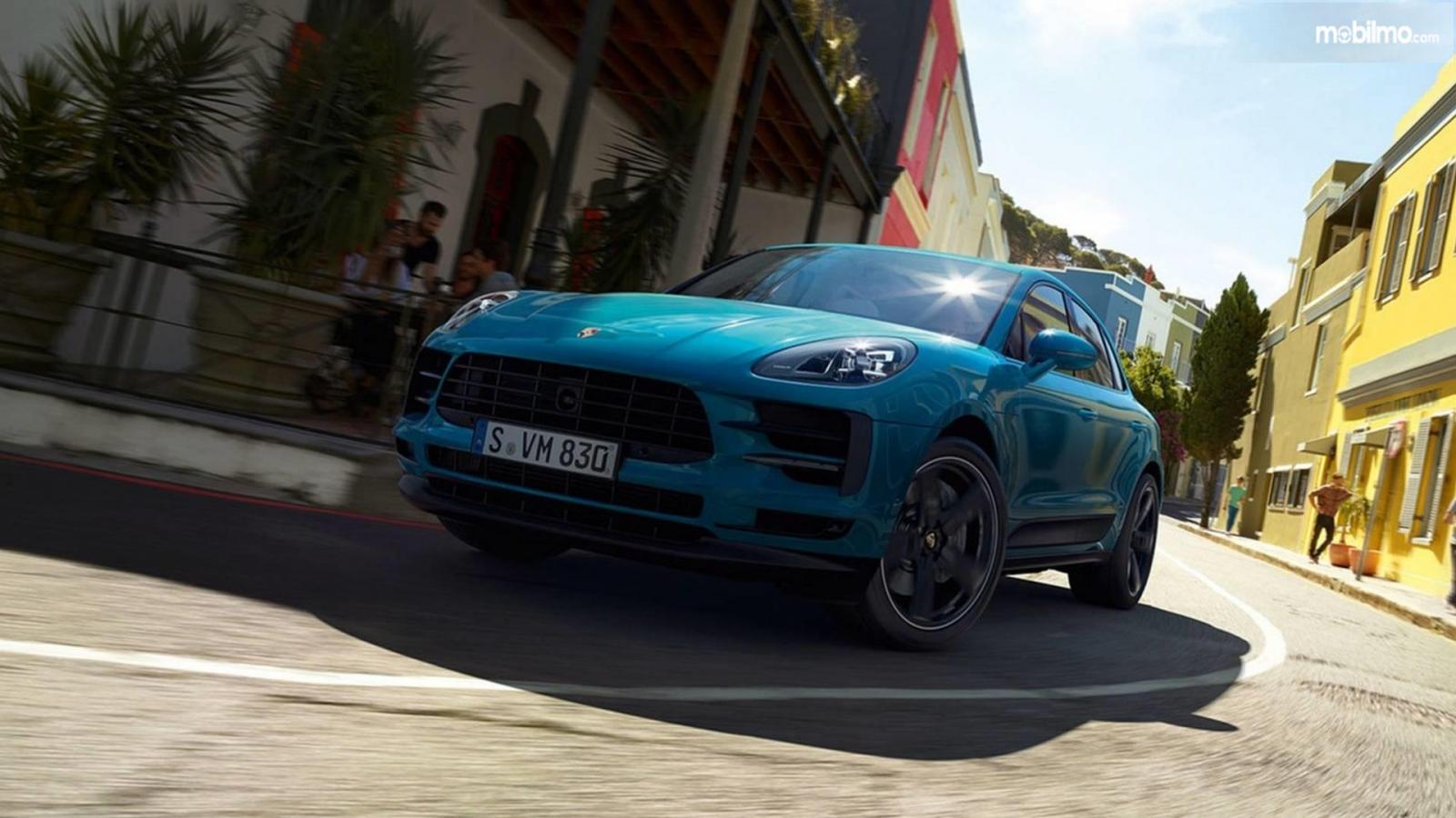 Gambar tampilan depan Porsche Macan 2019