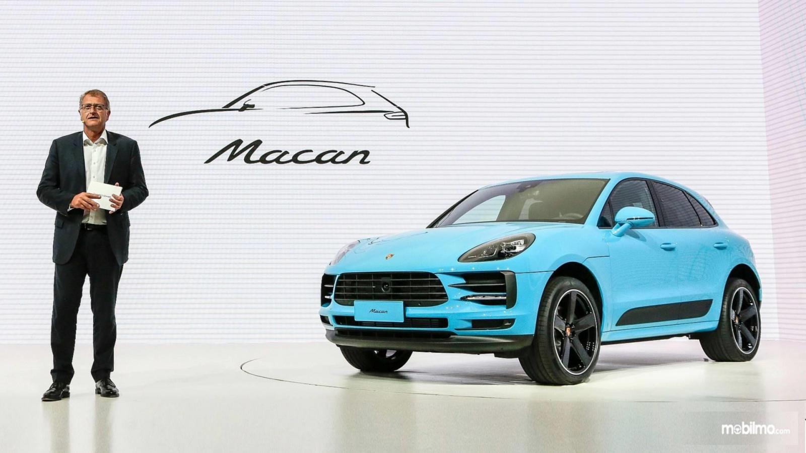 Gambar Porsche Macan 2019