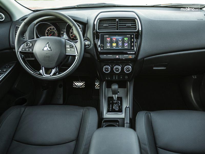 Layout dasbor Mitsubishi Outlander Sport 2019