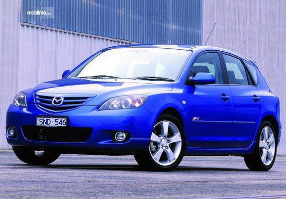 Gambar generasi pertama Mazda 3 2019
