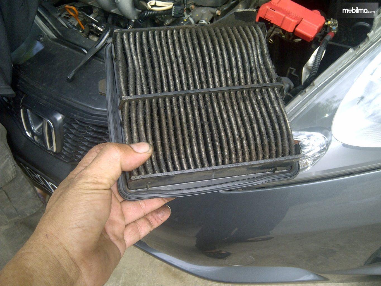Gambar filter udara kotor