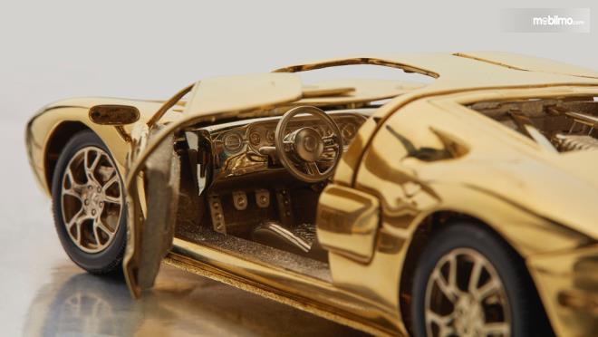 Gambar mobil skala 1/25 Ford GT