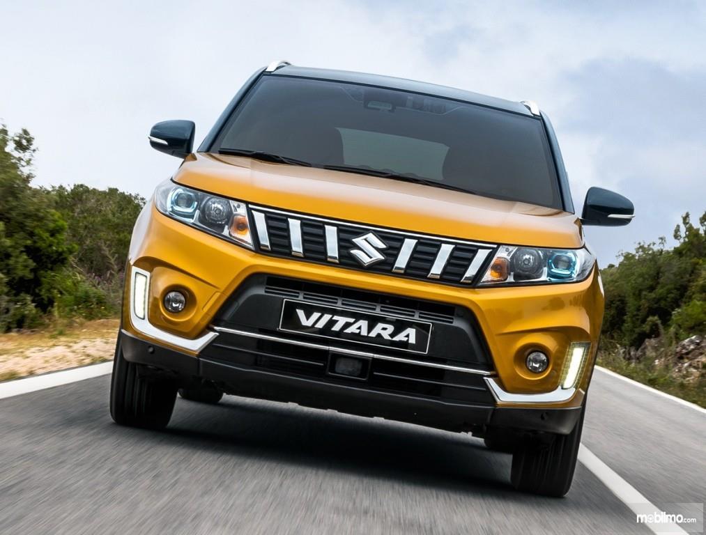 Tampilan depan sebuah mobil All New Suzuki Vitara 2019