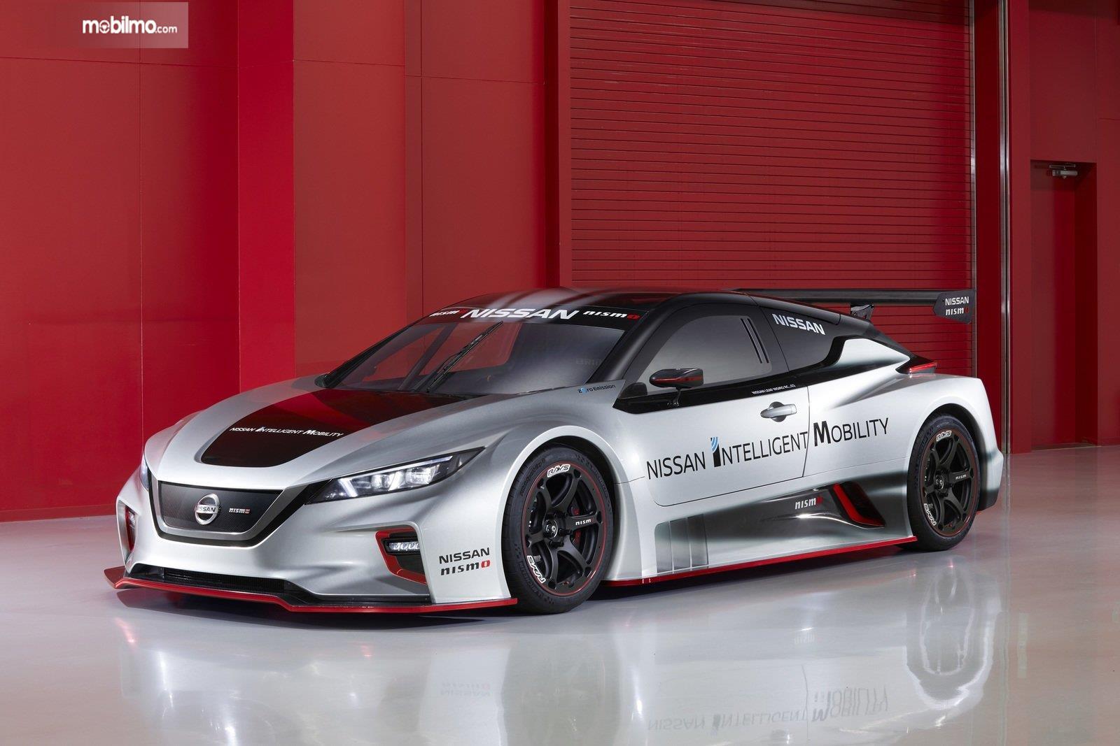 Gambar tampilan depan Nissan Leaf Nismo RC 2019