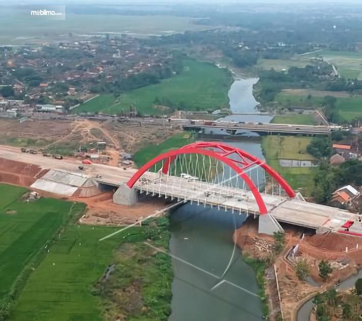 Foto Jembatan Kali Kuto di jalan tol Batang-Semarang
