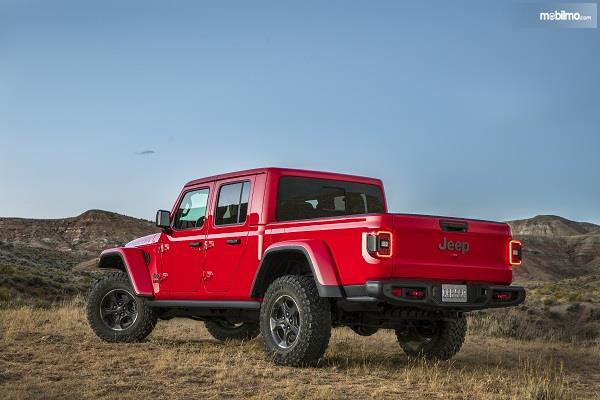 Gambar tampilan belakang Jeep Gladiator 2019