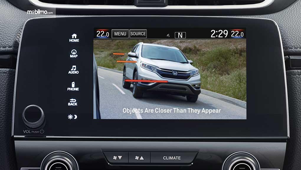 Tampak Layar Honda LaneWatch Technology dalam mobilnya