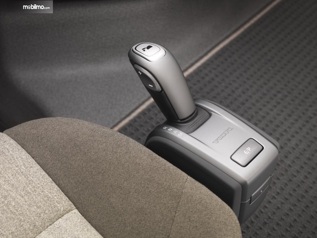 Tuas-Transmisi-iShift-Volvo-FM-Series