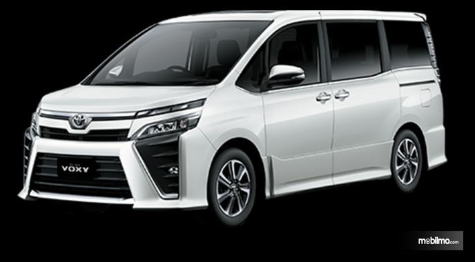 Gambar mobil Toyota Voxy 2018 berwarna putih dilihat dari sisi samping