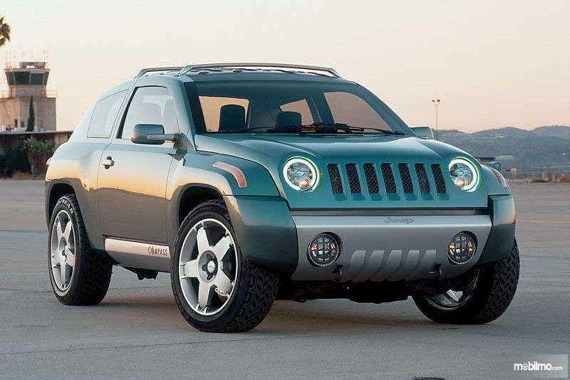 Gambar Jeep Compass 2002