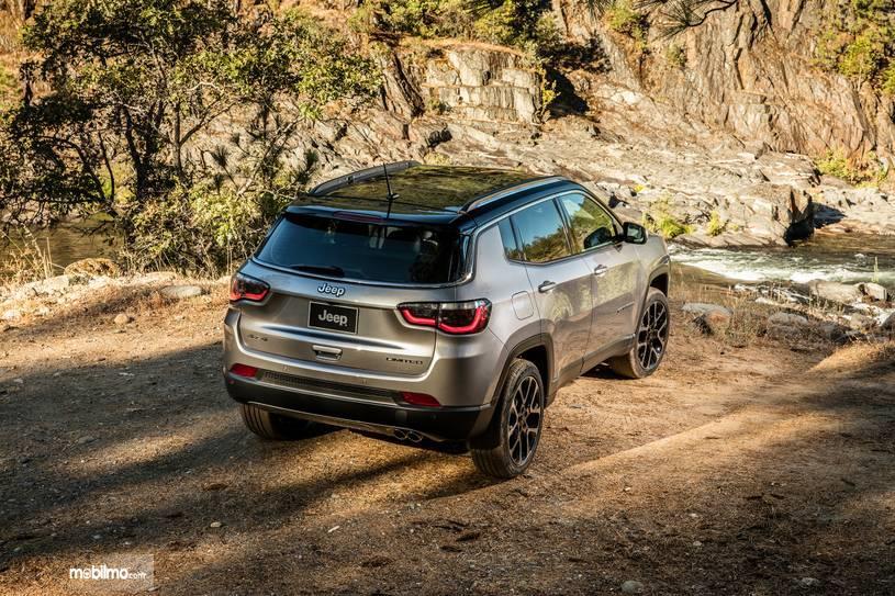 Gambar tampilan belakang Jeep Compass 2019