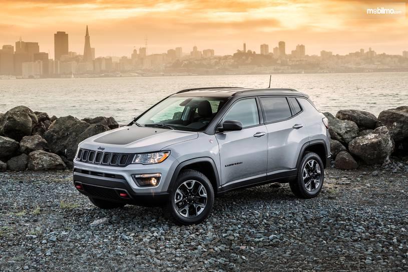 Gambar Jeep Compass 2019