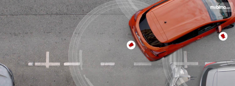 Gambar menunjukkan Fitur Nissan Intelligenr Mobility dari mobil Nissan March 2019