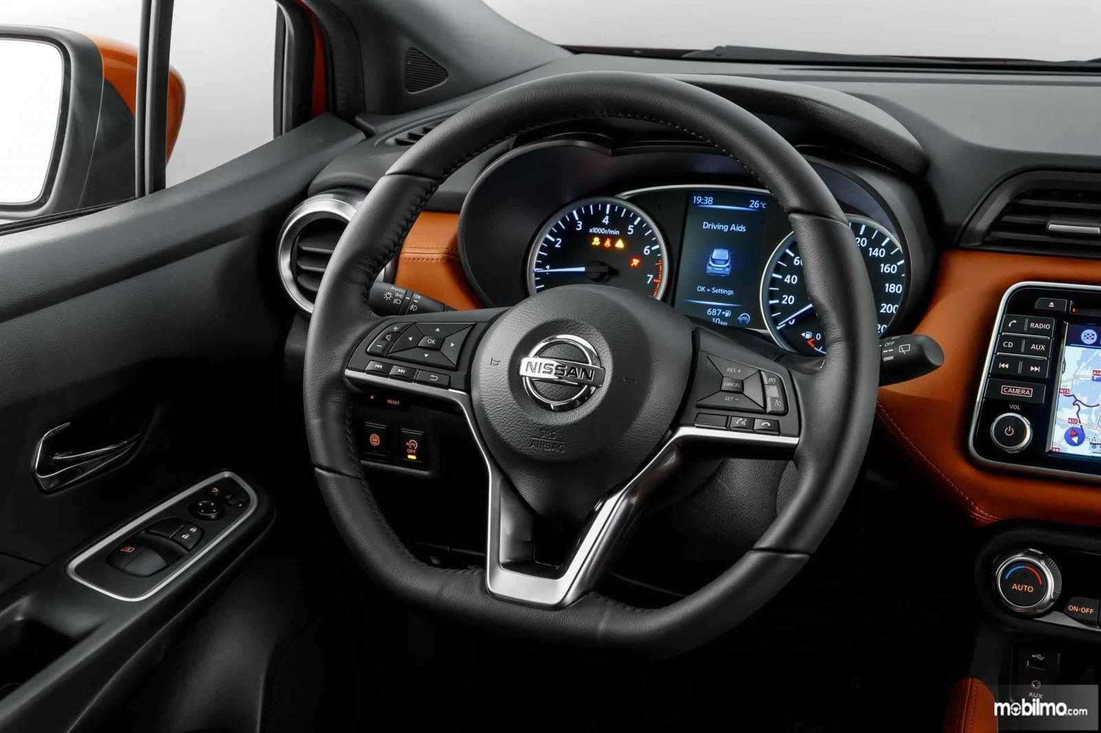 Desain setir mobil Nissan March 2019