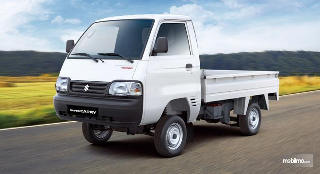 Tampilan Samping sebuah Suzuki Super Carry Pick Up Diesel 2019