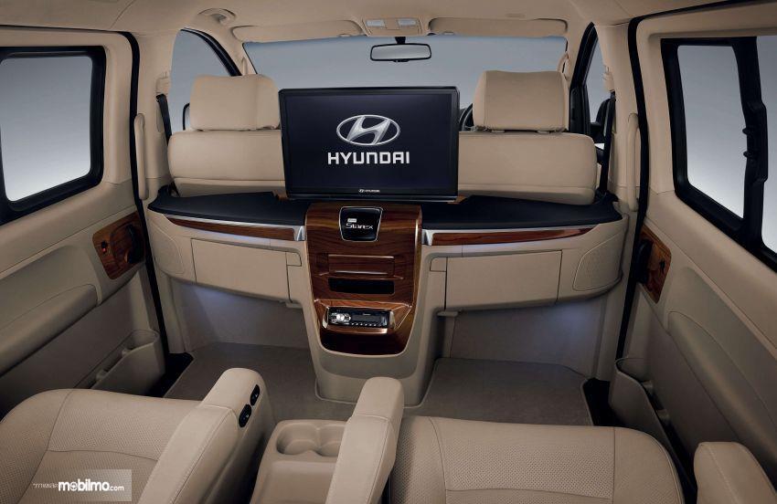 Gambar fitur LCD baru Hyundai H-1 2019