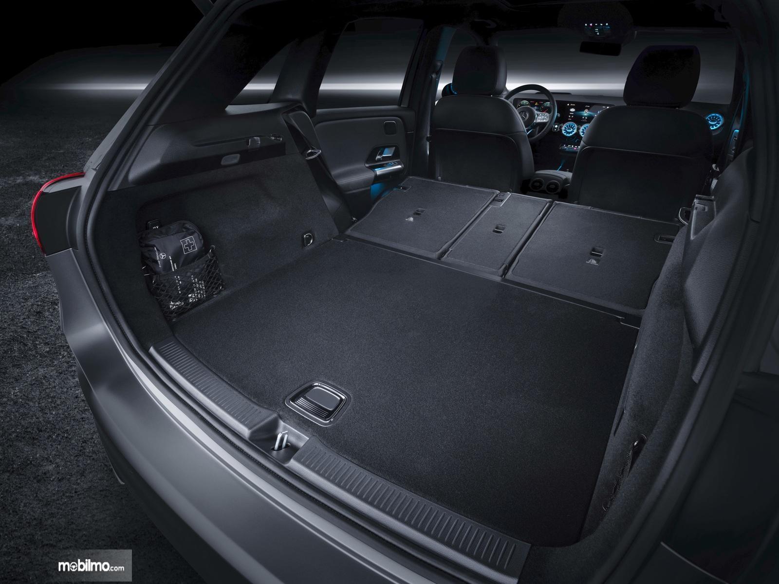 Gambar bagasi Mercedes-Benz B-Class 2019