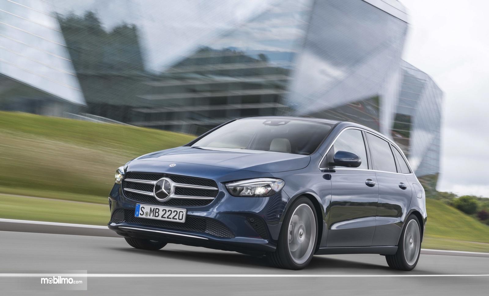 Gambar mobil baru Mercedes-Benz B-Class 2019