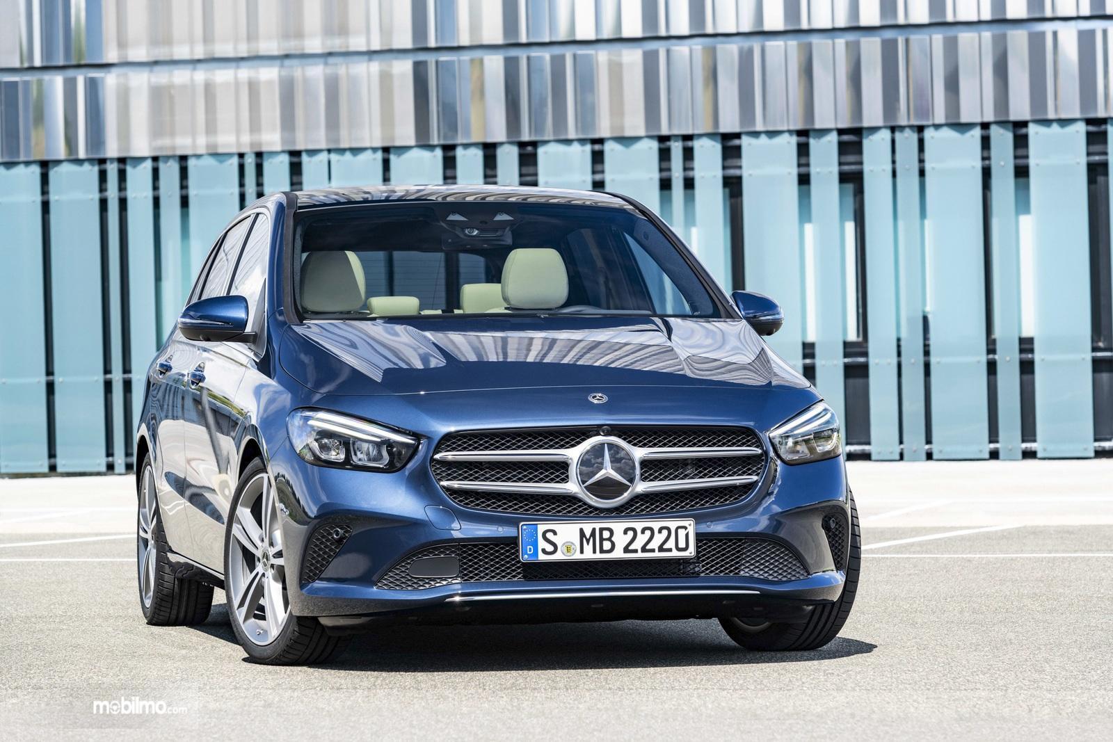 Gambar tampilan depan Mercedes-Benz B-Class 2019