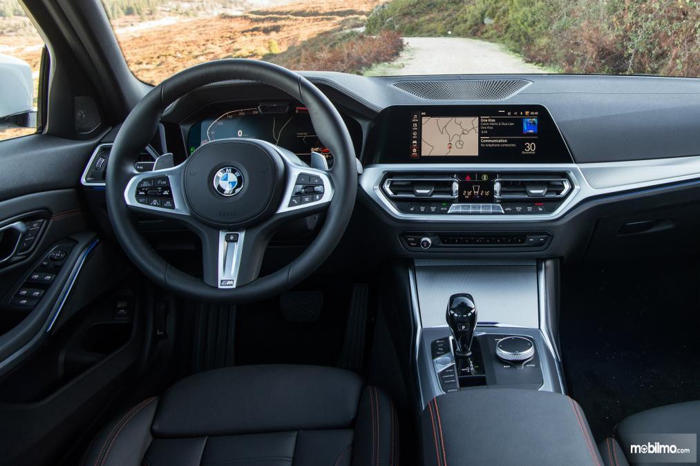 Gambar kemudi BMW 3 Series 2019