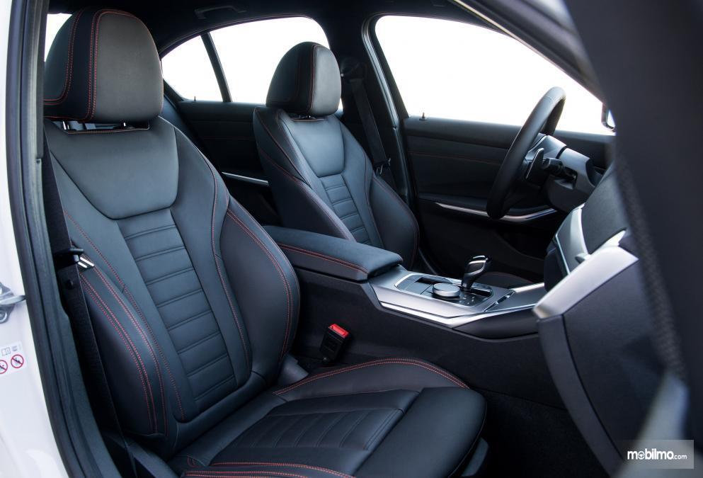 Gambar kursi BMW 3 Series 2019