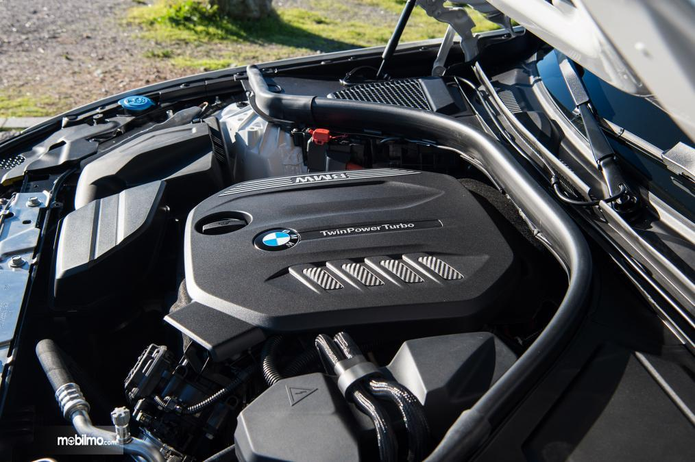 Gambar mesin BMW 3 Series 2019