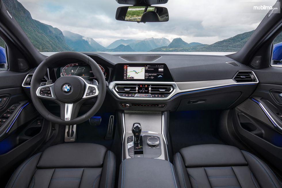 Gambar dasbor BMW 3 Series 2019