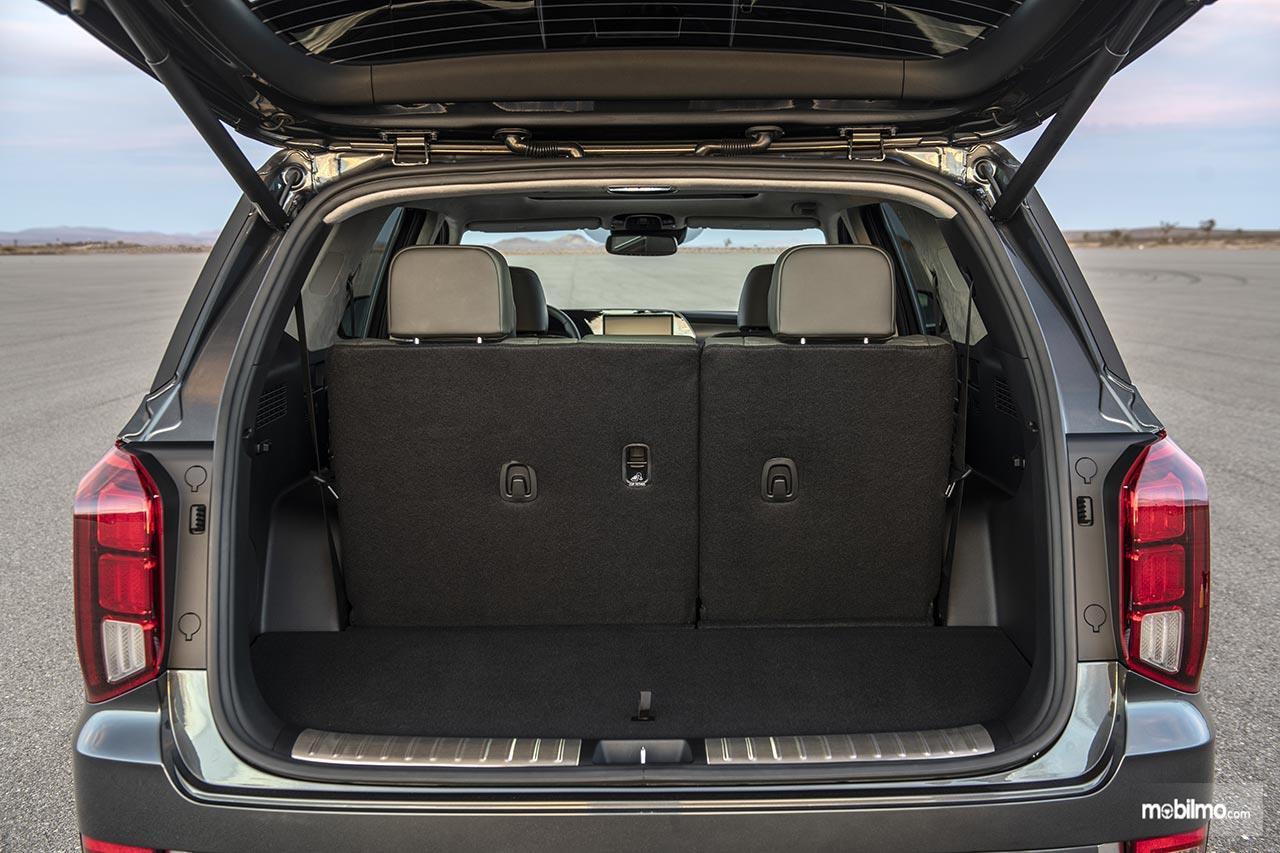 Gambar menunjukkan ruang Bagasi Hyundai Palisade 2019