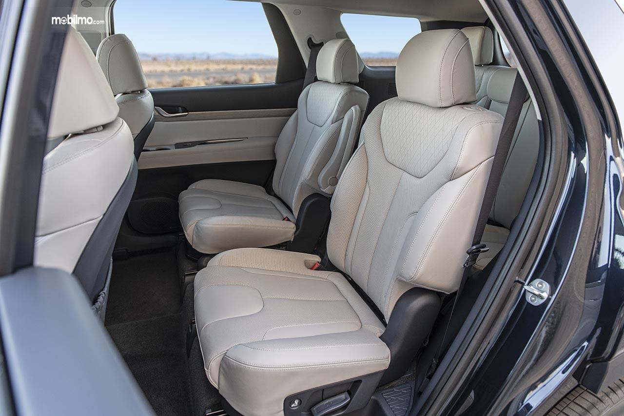 Kursi belakang sebuah Hyundai Palisade 2019
