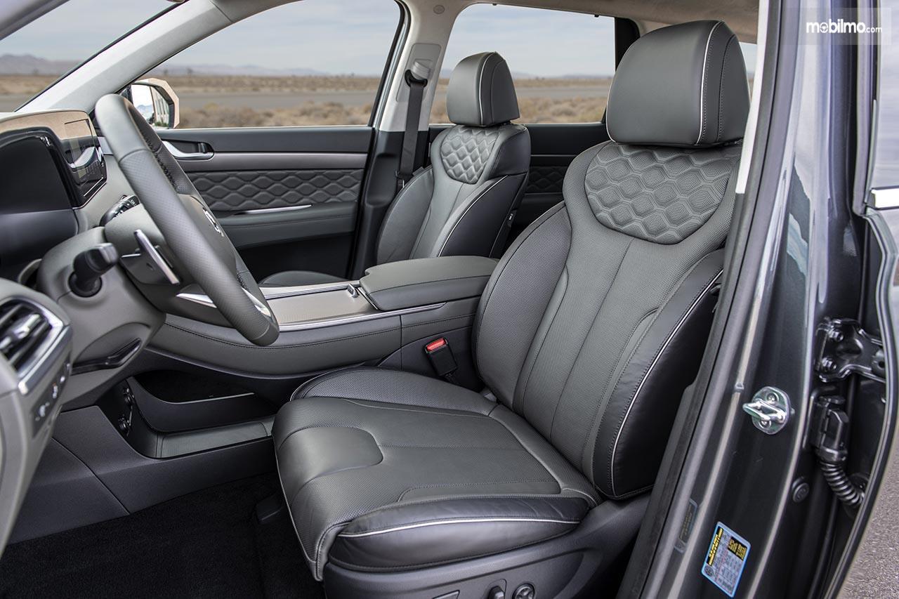 Gambar menunjukkan bagian Kursi depan Hyundai Palisade 2019