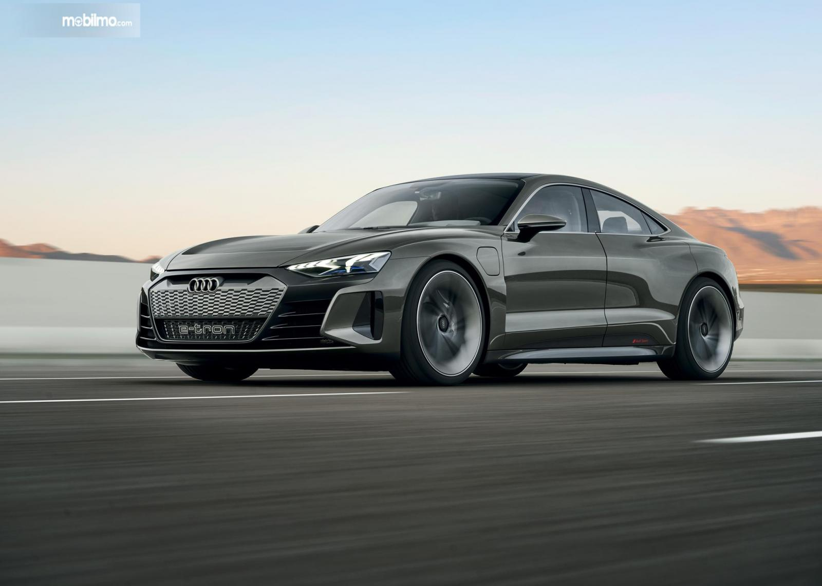 Performa Audi e-tron GT 2019 sangat memadai