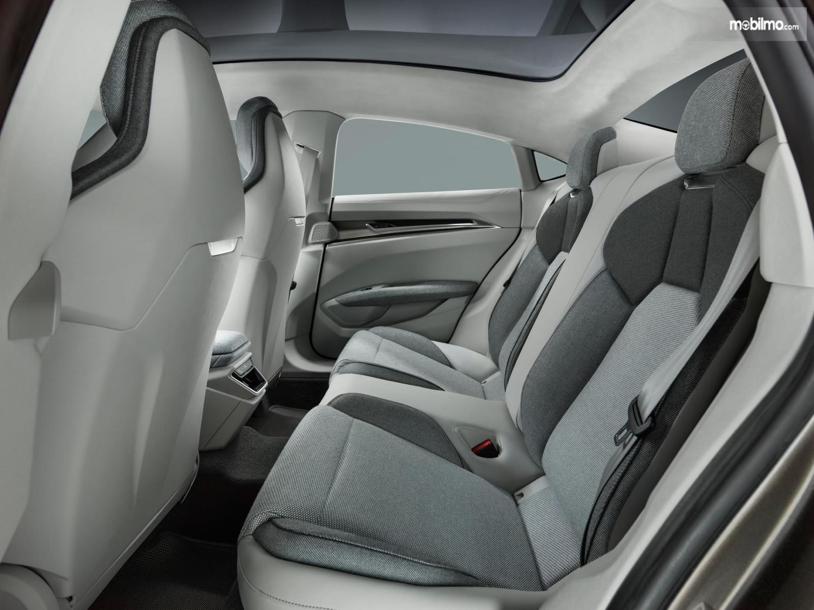 Gambar menunjukkan desain bagian kursi di Audi e-tron GT 2019