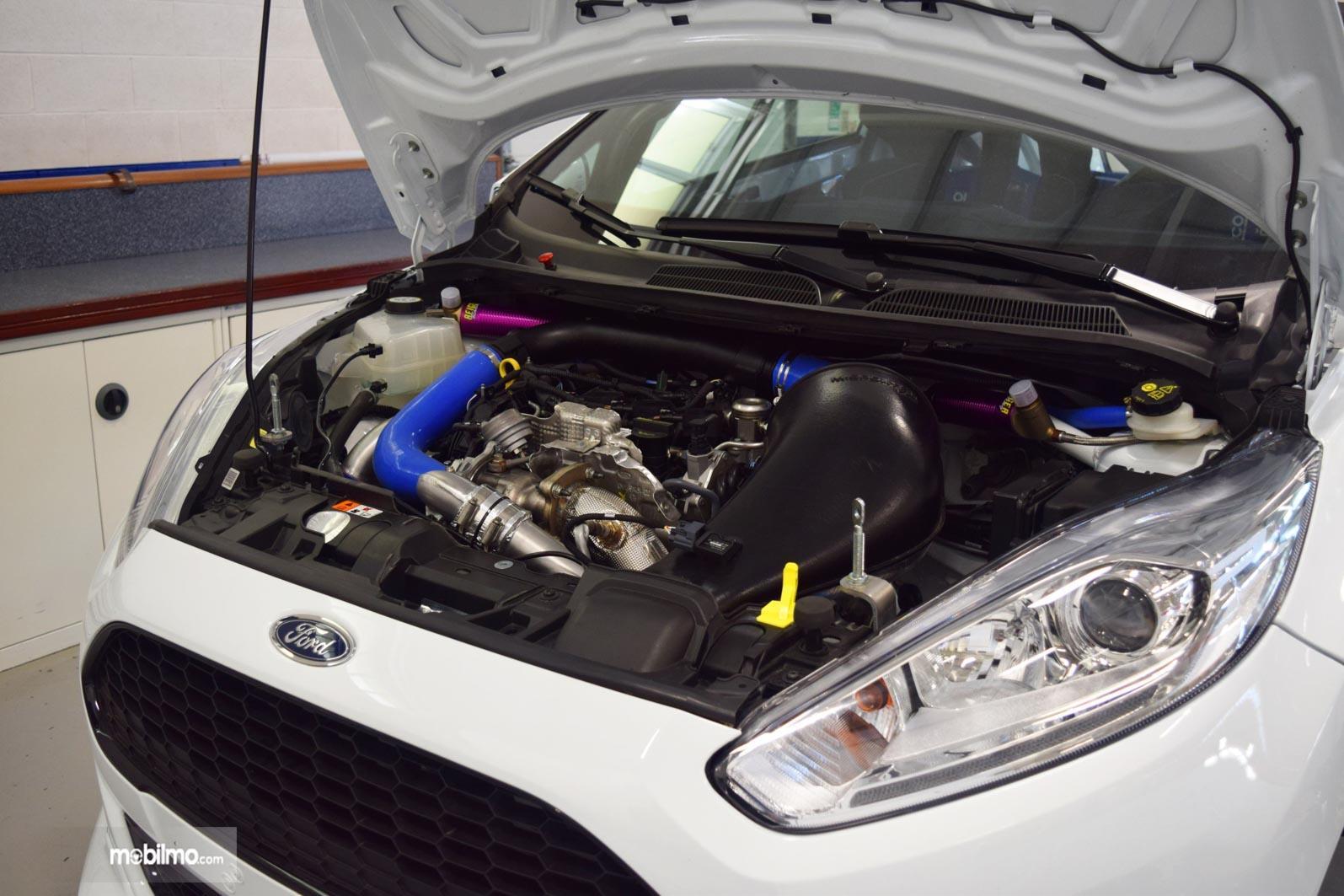 Gambar bagian Mesin 1,0 liter EcoBoost di All New Ford Fiesta RS R2 2019