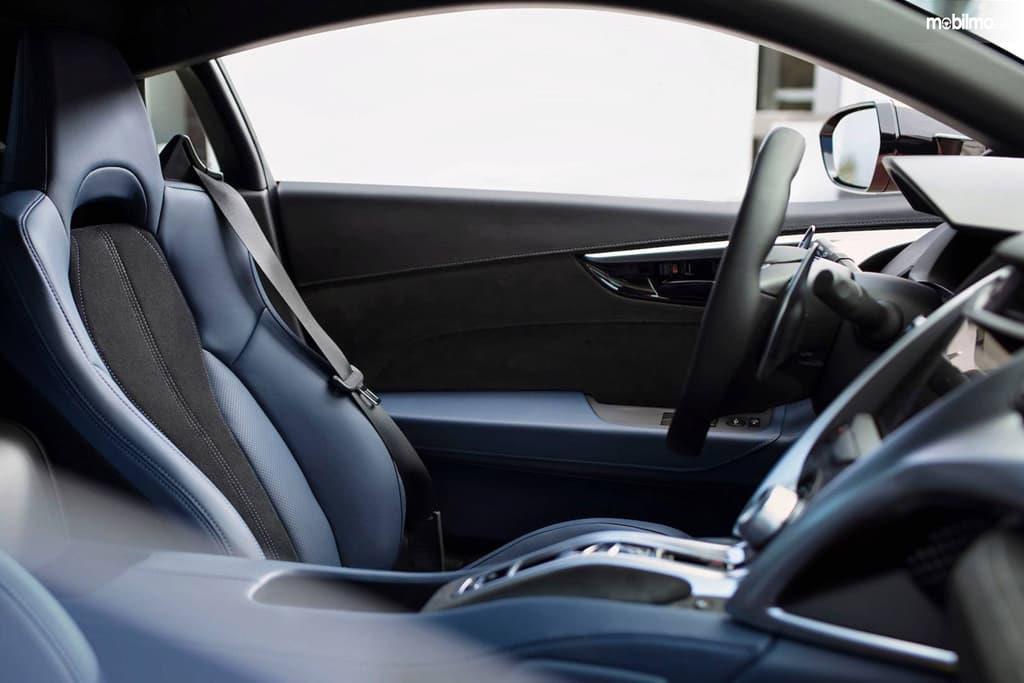 Gambar menunjukkan Ringkasan Fitur Hiburan Honda NSX 2019