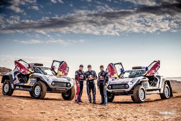 Gambar menunjukkan Team Redbull Mini JCW X-Raid Dakar 2019