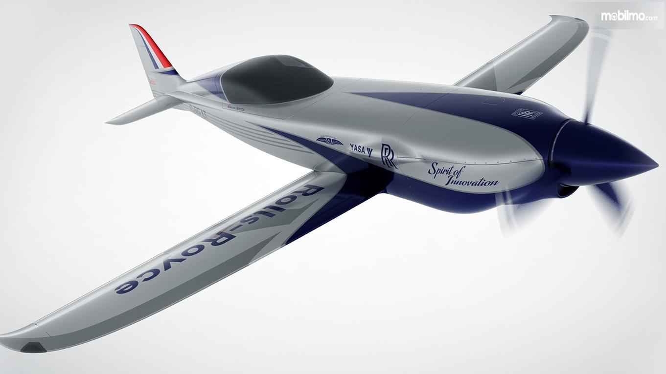 desain pesawat listrik Rolls Royce berwarna putih