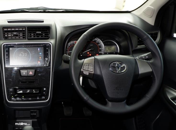 kemudi Toyota Avanza Veloz 2019 berwarna hitam